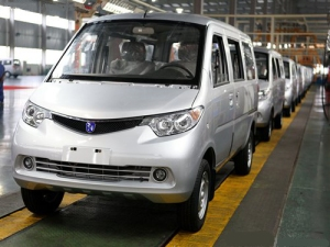 FiveStar van rolling off the assembly line in China
